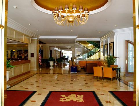76042313 The Garden City Hotel Lobby 1 DEF